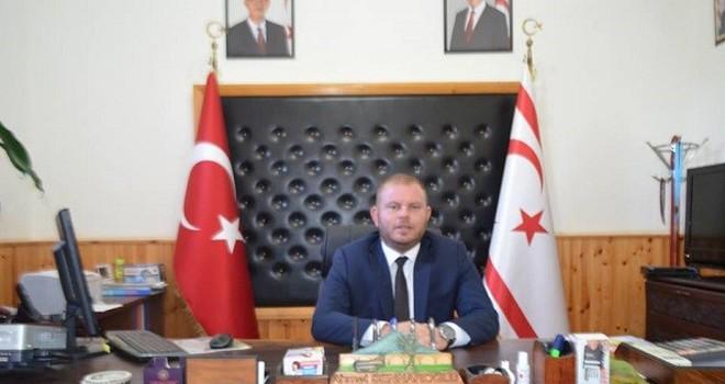 Ahmet Sennaroğlu, aday olmayacağını açıkladı