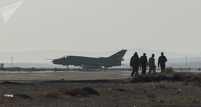 Suriye ordusu kaynağı: İsrail'in düşürdüğü bir Su-22 uçağıydı