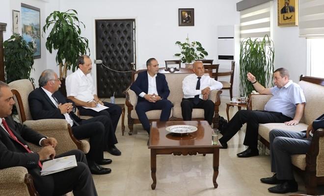 Başbakan Yardımcısı Denktaş, Kıbrıs Türk Belediyeler Birliği'ni kabul etti