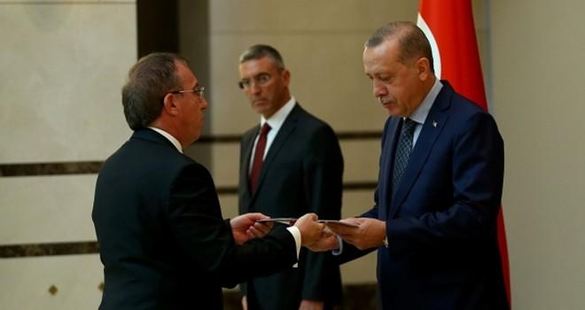 Ankara Büyükelçisi Erdoğan'a güven mektubunu sundu