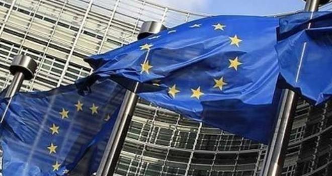 """""""Avrupa Komisyonu'ndan Ankara'nın desteklenmesi oyunu"""""""