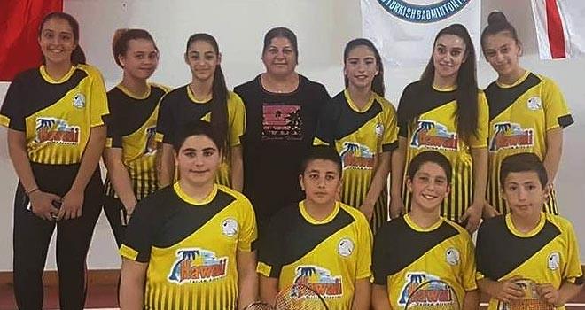Badmintonda gençlerin heyecanı