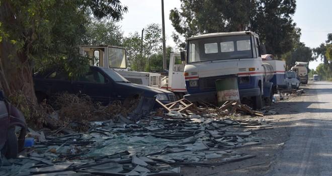 Haspolat Sanayi'deki hurda atıkları kaldırılıyor