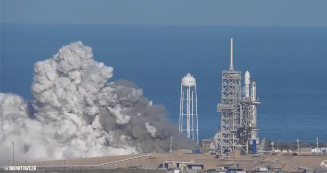 Falcon Heavy ateşlemesini bu sefer 'olağanüstü sesleriyle' izleyin