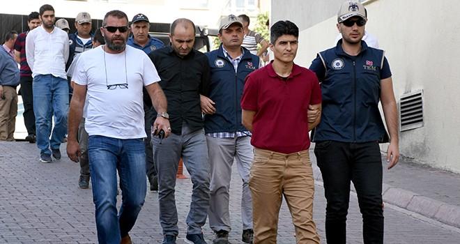 FETÖ'ye ağır darbe: 102 gözaltı