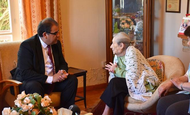Sucuoğlu, Türkan Aziz'i ziyaret etti