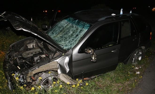 Araçtaki 3 kişi yaralandı