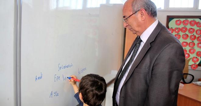 Bakan müjdeyi verdi: Girne'ye iki yeni okul yapılıyor