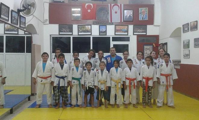 ''Judo, yurt dışında mecburi ders ama  bizde federasyonu bile kuramıyoruz''