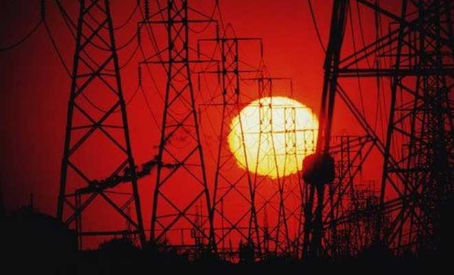 Elektrik kesintisiz gün geçmiyor