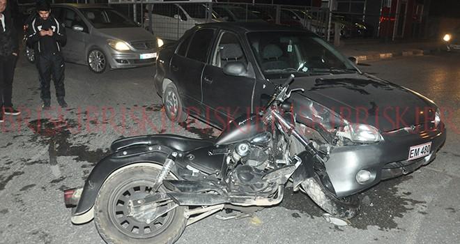 Motosiklet sürücüsü hafif yaralandı