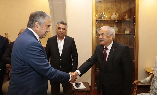 Cumhurbaşkanı Akıncı, Adana ESOB ve KTEZO yetkililerini kabul etti
