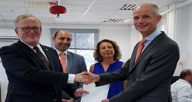 Hollanda'dan kayıp şahıslar komitesi'ne 50 bin euro bağış