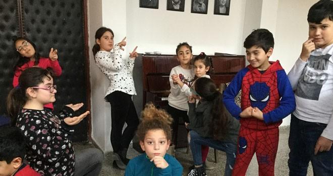"""Lefkoşa Belediye Tiyatrosu çocuk ekibi """"Bir orman masalı"""" adlı oyunu sahneleyecek"""