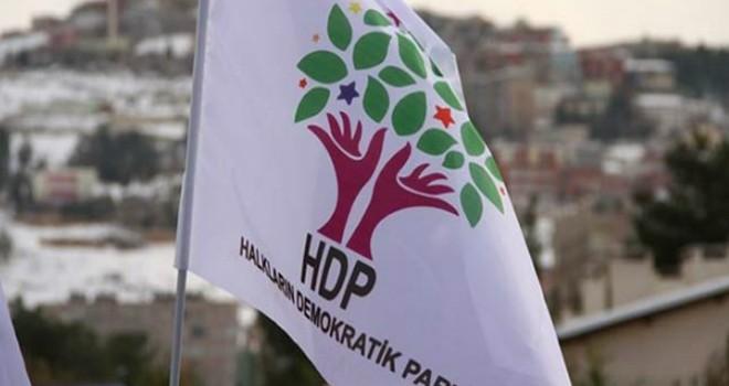 Polis, HDP Kadıköy binasını bastı