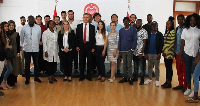 Meclis Başkanı Uluçay YDÜ'den öğrencileri kabul etti