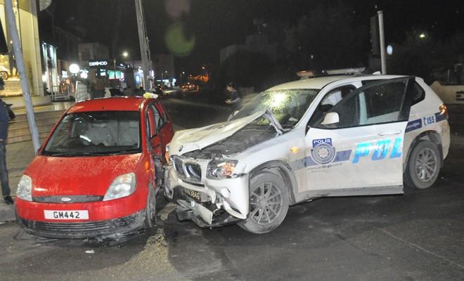 Biri polis iki kişi yaralandı