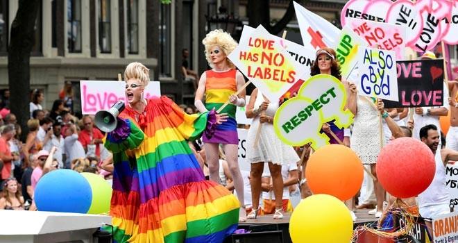 En büyük eşcinsel yürüyüşü