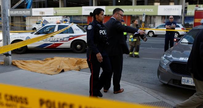 Toronto'da araç yayaların arasına daldı:  9 kişi öldü 16 kişi yaralandı