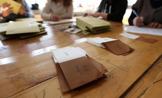 Eski YSK Başkanı: Yasa çok açık, mühürsüz oylar iptal edilmeli!