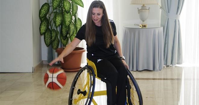 TC Büyükelçiliği'nden milli sporculara tekerlekli sandalye