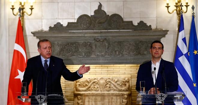 Erdoğan: Minderden kimin kaçtığını iyi biliyoruz
