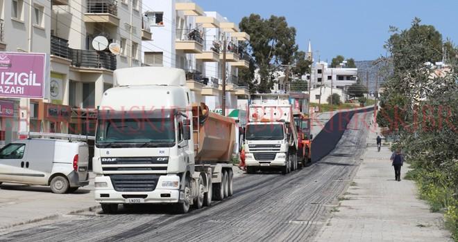 İlk asfaltlar Hamitköy'e döküldü
