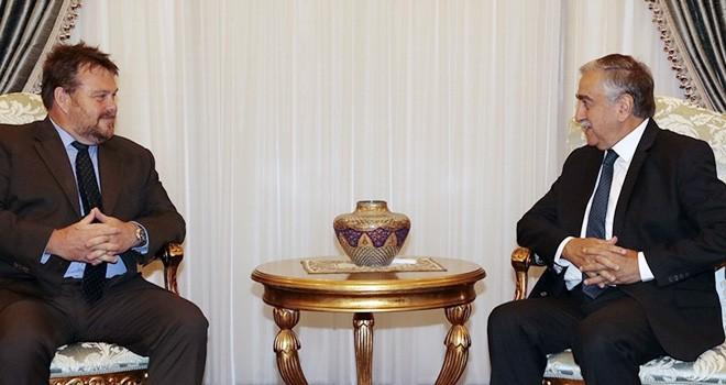 Akıncı, Avustralya'nın Kıbrıs Yüksek Komiseri Sweetman'i kabul etti