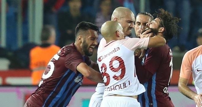 Olcay ve Feghouli'ye 3'er maç