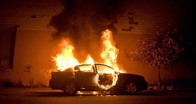 Larnaka'da bir kişinin aracı kundaklandı