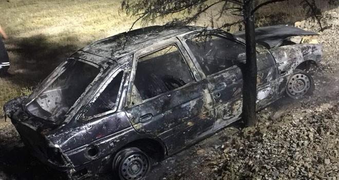 Kaza yapan araç,  cayır cayır yandı
