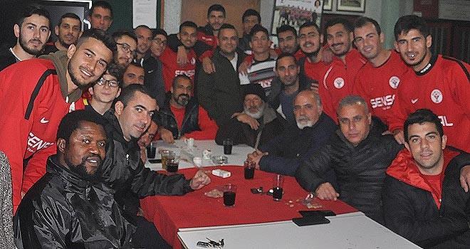 Hamitköy futbolcuları 2018'i uğurladı