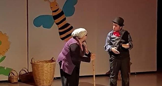"""""""Pırtlatan bal"""" adlı çocuk oyunu yarın 15:30 ve 19:00'da Rauf Raif Denktaş Kültür ve Kongre Sarayı'nda..."""