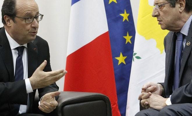 Hollande yarın Anastasiadis ile görüşecek