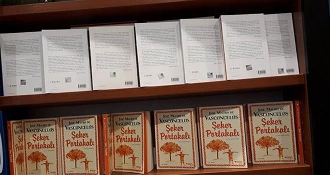 DnR Demirtaş'ın kitabını ters koyarak sansürledi!