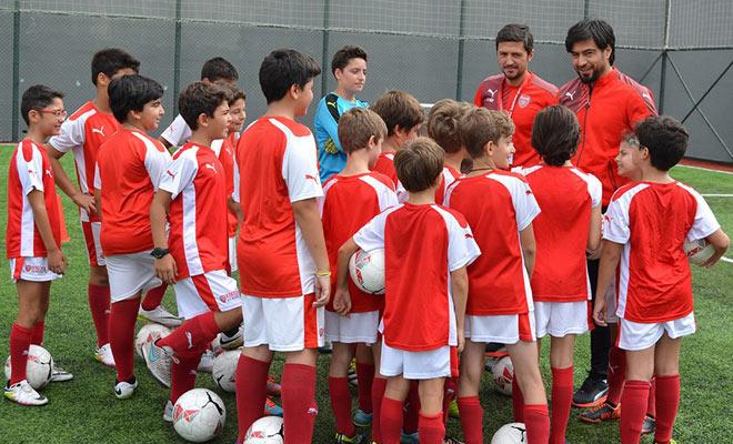 Arsenal Okulu İstanbul'da