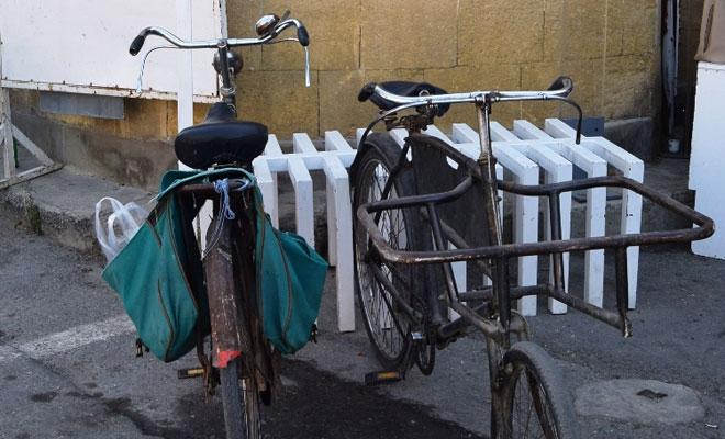 Lefkoşa'da beş noktaya bisiklet park yeri yerleştirildi