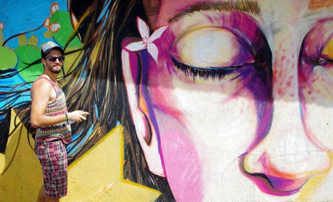 Kültür Dairesi'nin duvarlarını resimleriyle süsledi