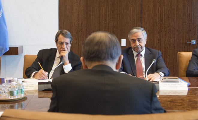 Kıbrıs Rum basının iddiası: Akıncı takvimde ısrar etti, Anastasiadis reddetti