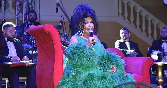 Diva, Yeşillere büründü