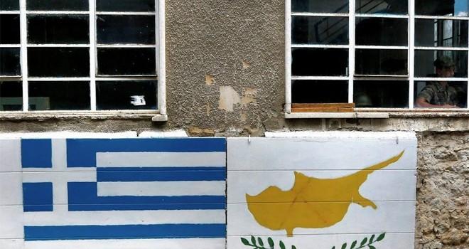 Kojin: Yunanistan'la Kıbrıs, Rusya'yla yeni silah görüşmeleri yapıyor