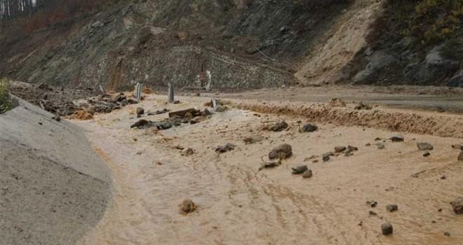 Kantara'da toprak kayması