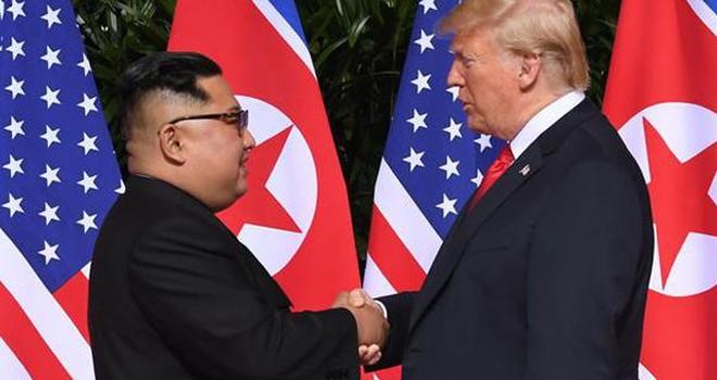 Trump'tan Kore hamlesi: Askeri tatbikatları durdurdu