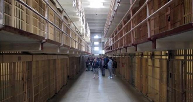 Suçsuz yere hapis yatan 4 kişiye 31 milyon Dolar tazminat