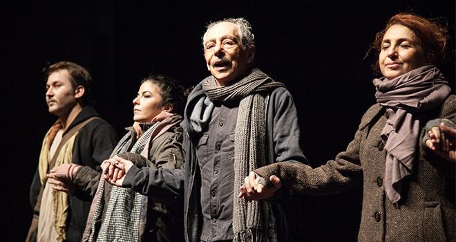 Kıbrıs Tiyatro Festivali finalinde muhteşem Genco Erkal performansı