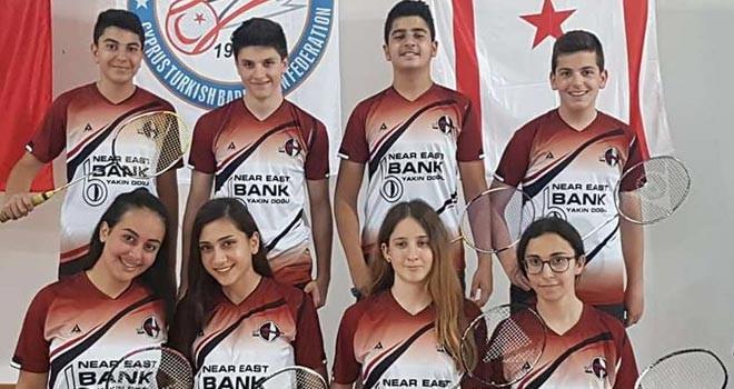 Badmintonda mücadele sürüyor