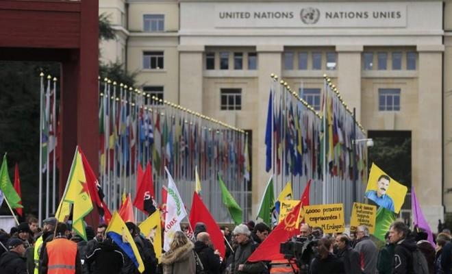 Erdoğan Cenevre'deki BM binası önünde protesto edildi