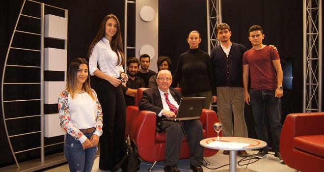Dr. Emre Dağdeviren'i YDÜ İletişim Fakültesi'nde