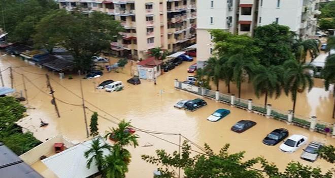 Malezya'da fırtına: 5 bin 478 kişi tahliye edildi