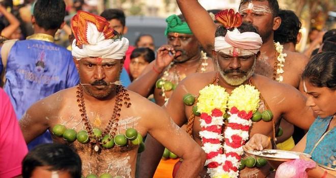 1,5 milyon Hindu, Thaipusam için buluştu